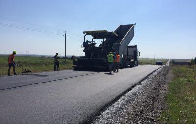 На Бродівщині ремонтують дорогу до Тернополя. Фото: служба автомобільних доріг.