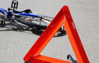 У Львові водій мікроавтобуса збив велосипедиста