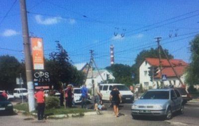 У Львові автомобіль поліції врізався у мотоцикл. Фото: Ігор Зінкевич.