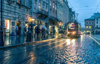 У Львові синоптики обіцяють грозу до кінця доби. Фото: відкриті джерела.