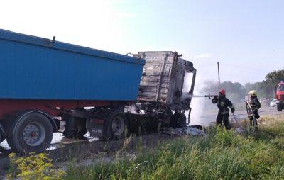 На Золочівщині згоріла вантажівка. Фото: відкриті джерела.На Золочівщині згоріла вантажівка. Фото: відкриті джерела.