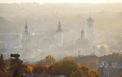 У Львові застерігають про туман та заморозки