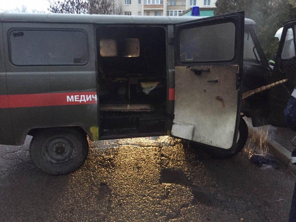 У Стрию загорівся автомобіль швидкої допомоги
